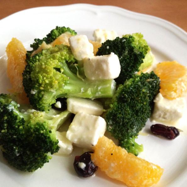 przepis na sałatkę z brokuła